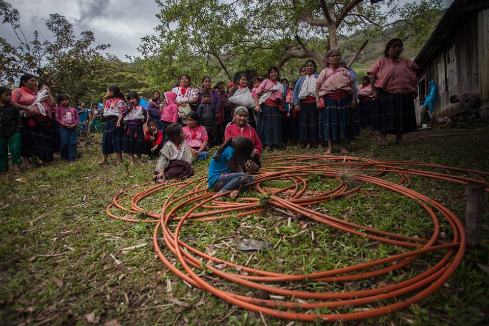 Mujeres desplazamiento marzo de 2018. Foto: Frayba