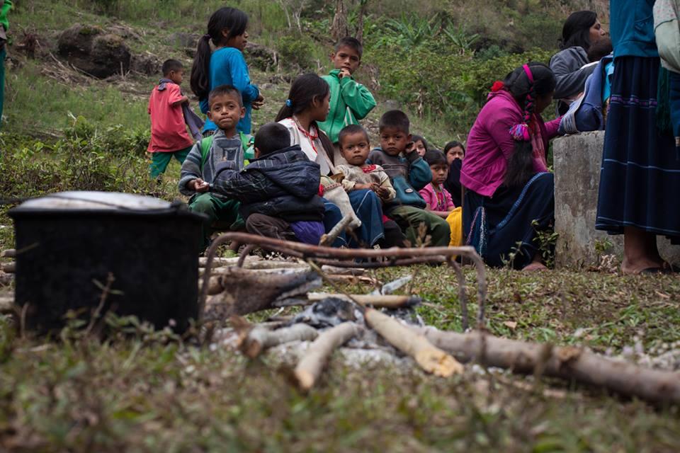 Niños desplazamiento en Marzo 2018. Foto Frayba