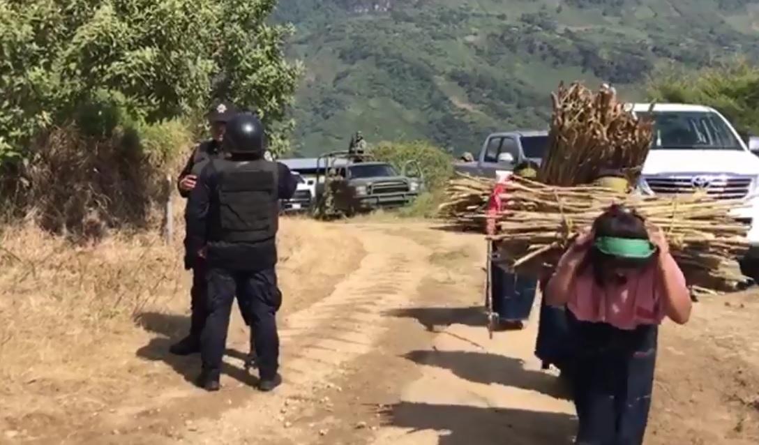 Zapatistas de Aldama y Chenalhó denuncian a gobiernos de promover grupos armados