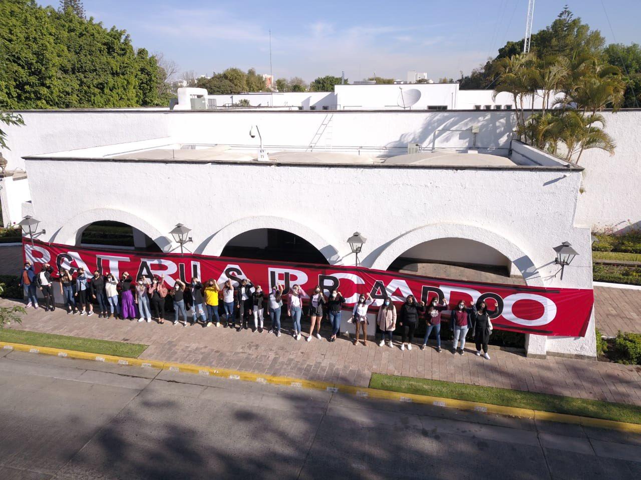 Mujeres clausuran simbólicamente Casa Jalisco, exigen alto a la violencia política de género